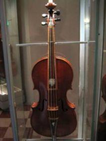 Antonio Stradivari's 1690 tenor viola